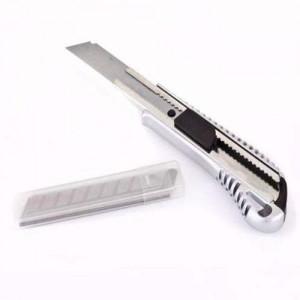 Metal Gövdeli Büyük Boy Maket Bıçağı                                                         Oracal,                                 folyo,                                 transfer,                                 reklam,                                 tabele,                                 band,                                 ragle,                                 tarak,                                 keçe,                                 maket bıçağı,                                falçata